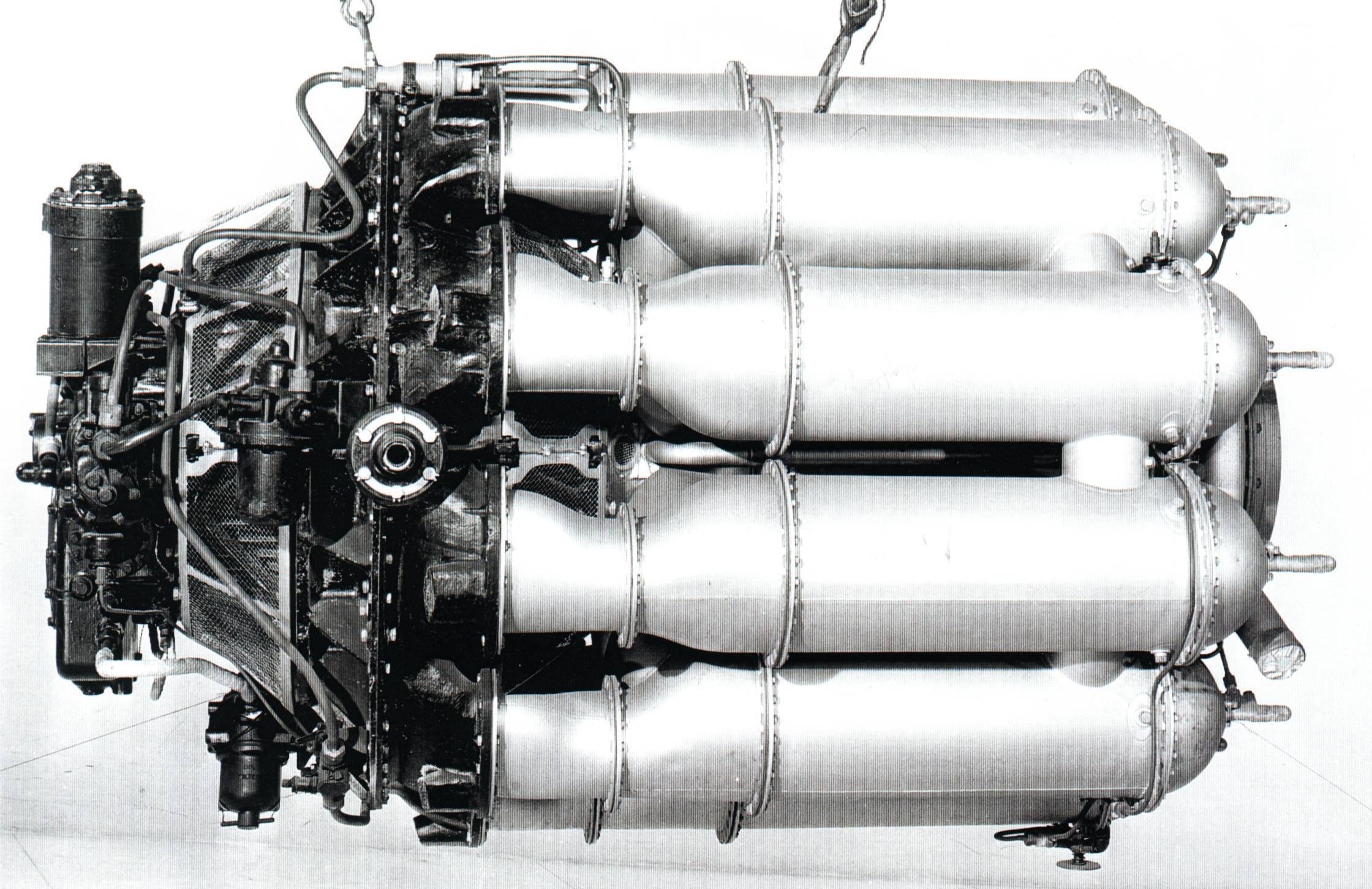 W2bwellandg rolls royce w2b23 welland turbojet that powered the gloster f940 dg202g test bed and the early gloster meteor mk1 and mk3 raf fighters in 1944 pooptronica Gallery
